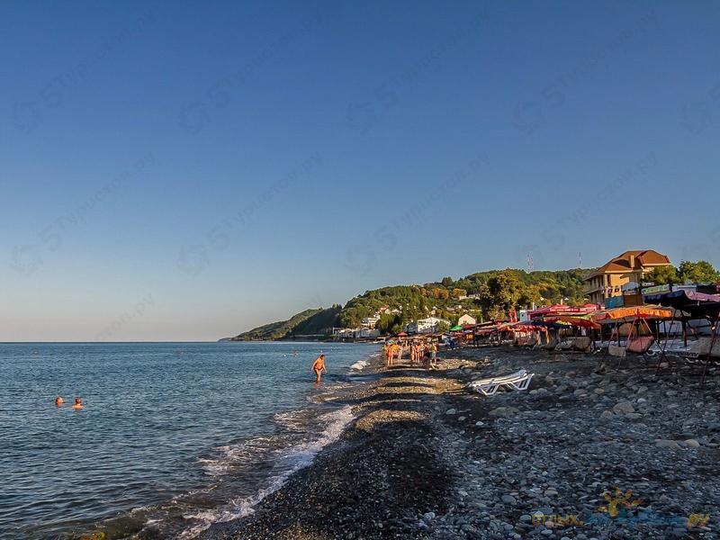 Пляж п. Лоо