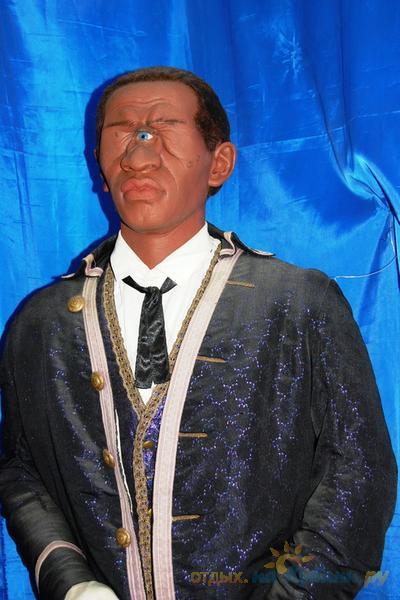 без музей восковых фигур в геленджике фото ярко